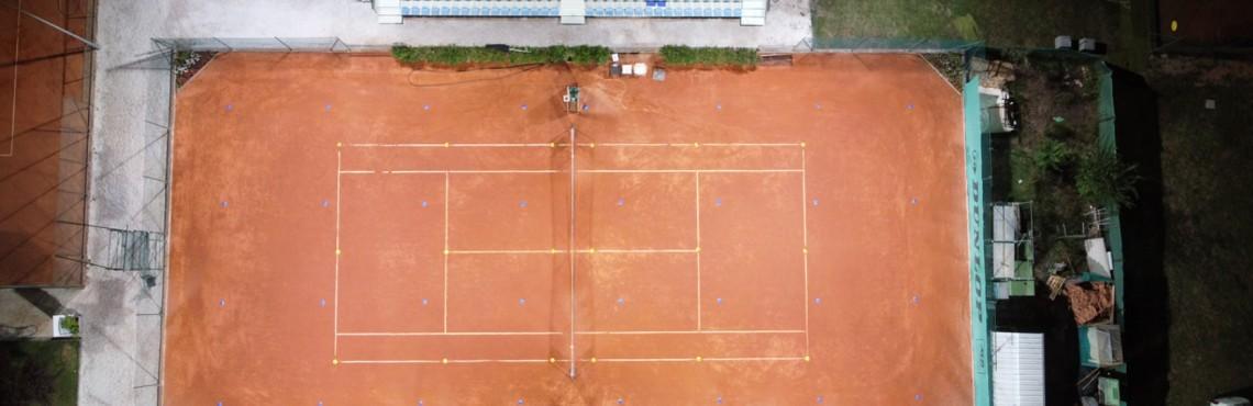 PERFORMANCE IN LIGHTING teniso apšvietimas BMW a1